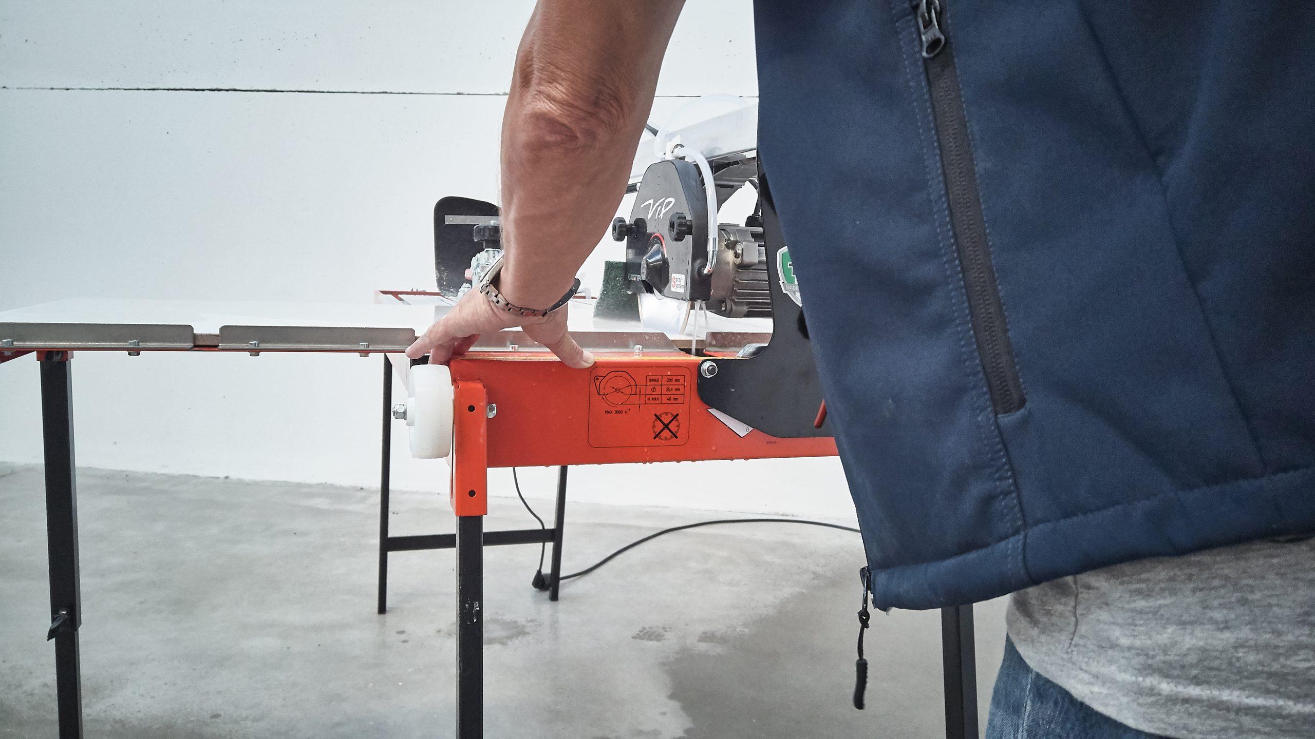 VIP 2125: Radial tile saws